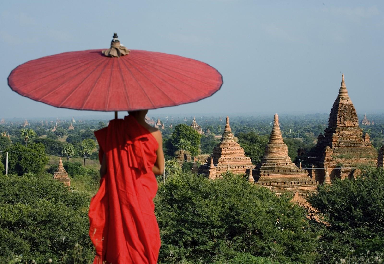 Blick auf die Pagoden von Bagan